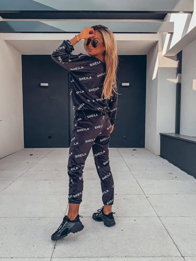 BLACK VELVET TRACKSUIT WITH WHITE LETTERS | SHEILA AW20